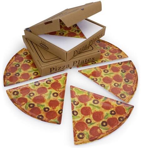 「Pizza Plates Set of 6」つまりピザなお皿6枚セット。
