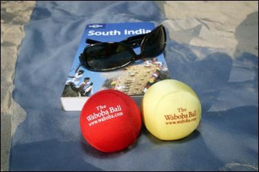 ワボバボール(Waboba Ball)。大きさはテニスボールくらい。