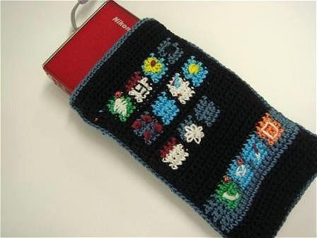 この「編み物・iPhone」、デジカメケースとしても使用可能。これなら当方も欲しい……