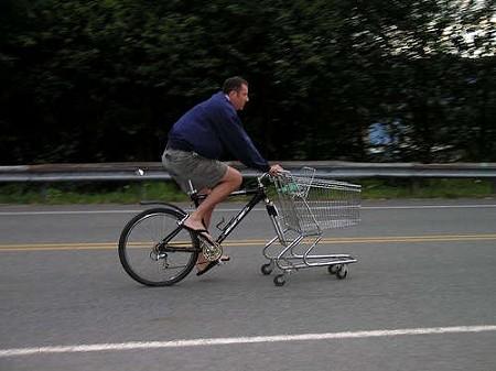 「ショッピングカー」+「自転車」=「shopping cart-bike combo」