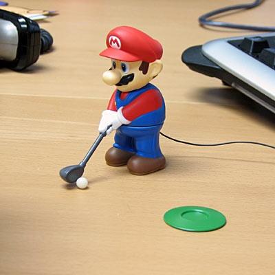 実際にはこのようなスタイルでゴルフをする。