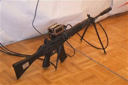 リクエストがあったので一点追加。「ガンダム」のデモ隊員が携帯していた銃