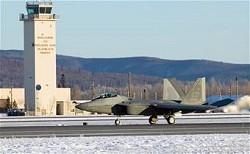 Elmendorf空軍基地のF-22 Raptorイメージ
