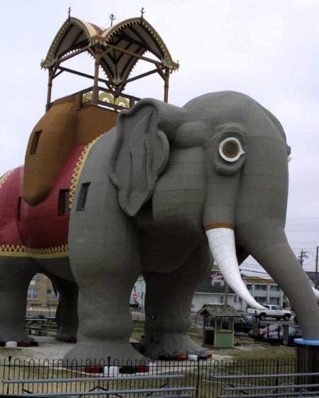 象な建物だゾウ。