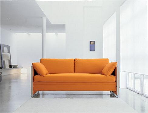 一見普通のソファー。