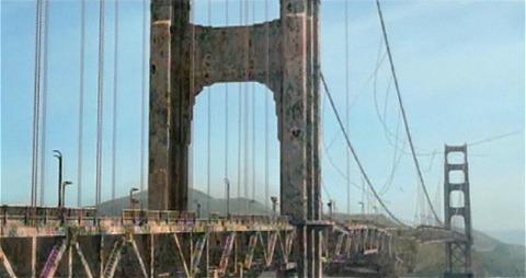 頑丈そうに見える釣り橋も、管理がなされなければあっという間に崩れ落ちる。