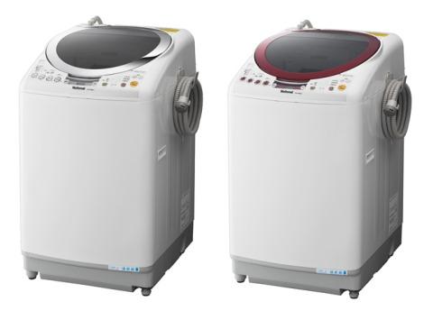 「節水循環システム」を採用した「NA-FR80S1」(左)と「FR70S1」(右)