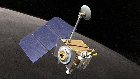 打ち上げ予定のLunar Reconnaissance Orbiter。ここに搭載されるメモリに自分達の名前が……