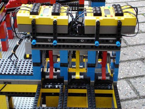 レゴ振り分け機。しっかりと作動するから大したもの。