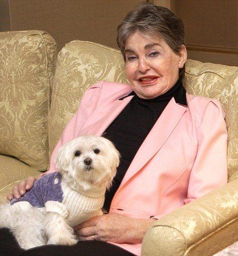 在りし日のLeona Helmsley嬢と愛犬「Trouble」