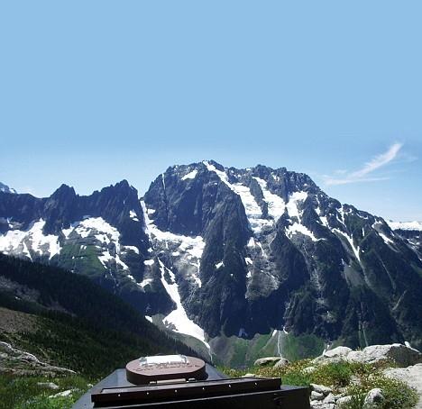 アメリカのワシントン州にあるCascades国立公園内のヨハネスブルグ山のトイレ