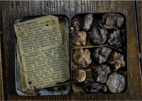 106年もののチョコレートと同封されていた古新聞