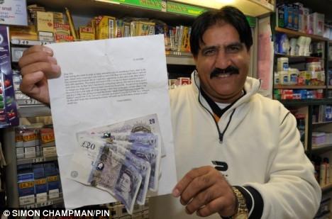 Imran Ahmed氏と、受け取った7年越しの「ごめんなさい」の手紙(Mail Onlineより)