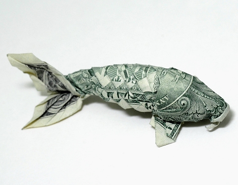 1ドル札1枚のみで作られた鯉(こい)