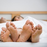 夫婦で睡眠イメージ
