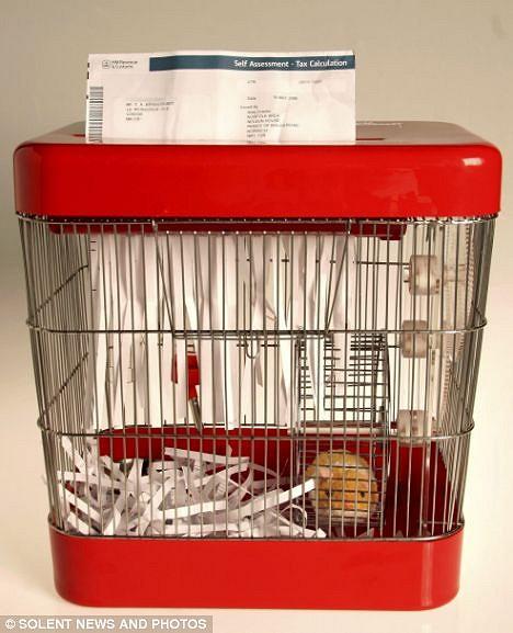 ハムスター駆動シュレッダー(an environmentally-friendly paper shredder)。動力、1ハム力(Mail Onlineより、以下同)。