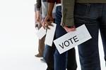 投票する若者イメージ