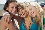 女性同士の親友イメージ
