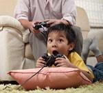 家庭用ゲームを楽しむ子どもイメージ