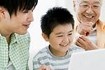親子で動画閲覧イメージ