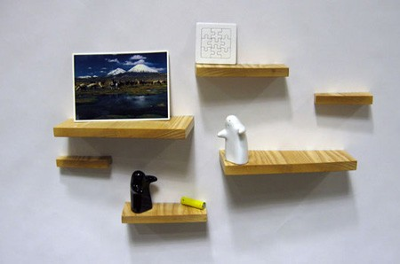 磁石の棚(Magnetic Shelves)