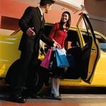 買い物にカーシェアリングを活用するイメージ