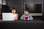 ゲーム機とインターネットイメージ