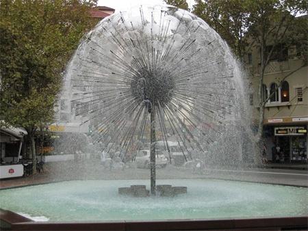 オーストラリアのシドニーに設置されているエル・アラメインの噴水(El Alamein Fountain)。