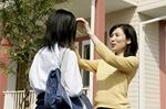 女子高生と保護者イメージ