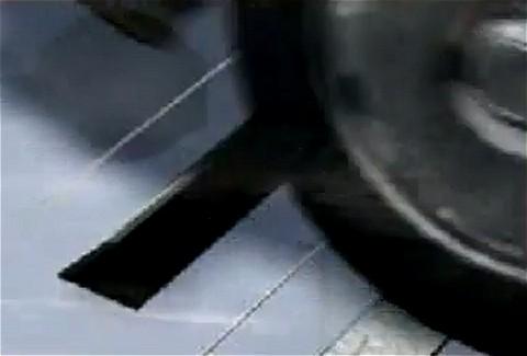 ドライブスルーを通過する自動車を利用したエネルギー生成装置「MotionPower」を解説。