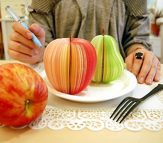 KUDAMEMO(くだめも)。洋ナシとりんごの2種類がある