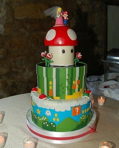 「スーパーマリオ」なウェディングケーキ。