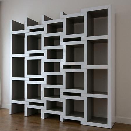 「ちょっとスペースが足りないかな」と思ったら、各パーツを引っ張って本を入れるスペースを拡張