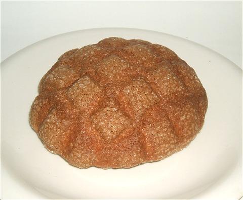 「沖縄黒糖メロンパン」