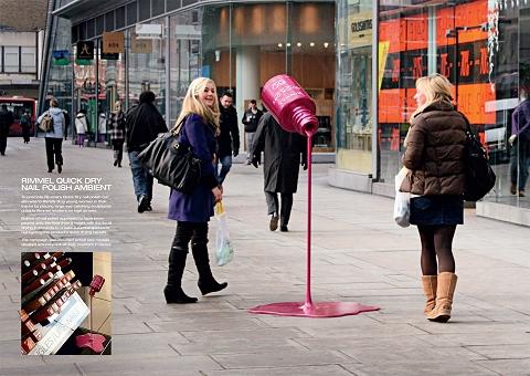 ↑ 「なにこれ凄い」と女性陣は誰もが振り返る、Rimmelのマニキュアの広告。