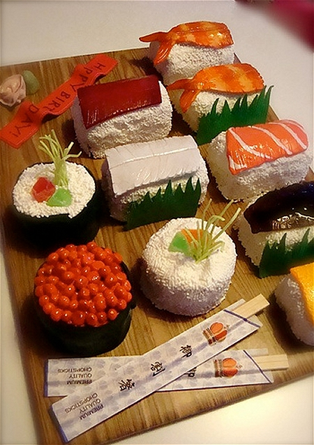 ↑ 寿司ケーキ。ただしバランは本物