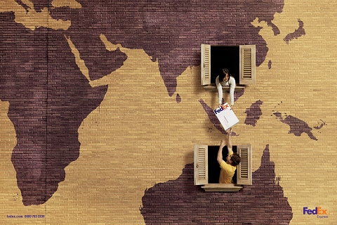 ↑ アジアからオーストラリアへ、フェデックスならそれこそ「窓から窓へ」の感覚で