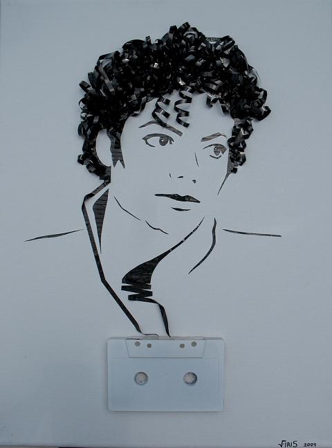 ↑ カセットテープのテープ部分で描かれたマイケル・ジャクソン