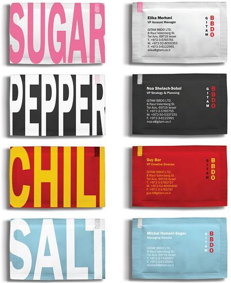 ↑ カラフルな名刺一覧……というよりファミレスなどのテーブルで見かける小分けの調味料な感じ