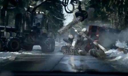↑ 死神に気を取られているうちに、目の前に事故車が!!