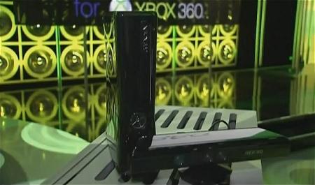 ↑ 250GのHDDを搭載したXBox360とKinect(キネクト)