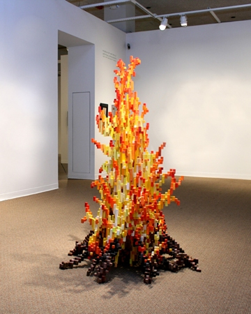 ↑ 燃え上がるたき火。躍動感がドット絵で表されているようで、しかもそれがリアルに存在することで、何か不思議な神秘感すら覚える