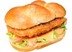 ↑ 期間限定販売の「チキンバーガー オーロラ」