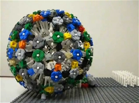 ↑ LEGO Sphere/Ball Stop Motion レゴの球体を制作。