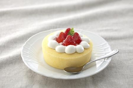↑ 「苺のロールケーキ」