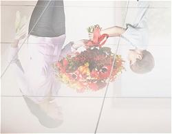お互いの気持ち的にはもちきれないほどの花束