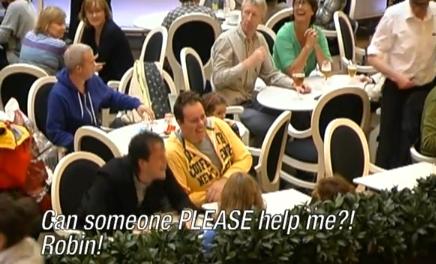 ↑ 「誰か私を助けて! ロビンったら!」
