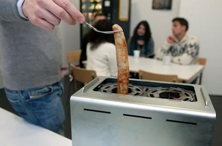 ↑ The Wursttoasterでの調理のようす