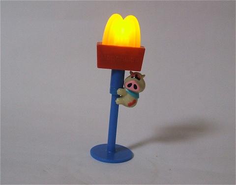 ランプを点けて、少々暗くして撮影。何か妙な一体感