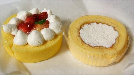 「苺のロールケーキ」(左)と「プレミアムロールケーキ」(右)